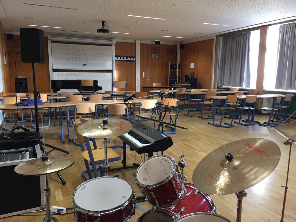2016-Musiksaal-Instrumente-Max-Planck-Gymnasium-Dortmund